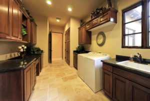 4 Tips for Integrating Your Laundry Room into Your Home's Kitchen